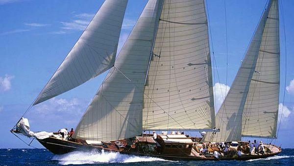 Baglietto Sincerity: party under sail